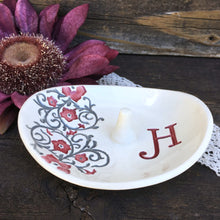 Oval Floral Monogrammed Ring Holder - Say Your Piece!