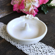 Creamy Natural White Floral Ring Holder - Say Your Piece!