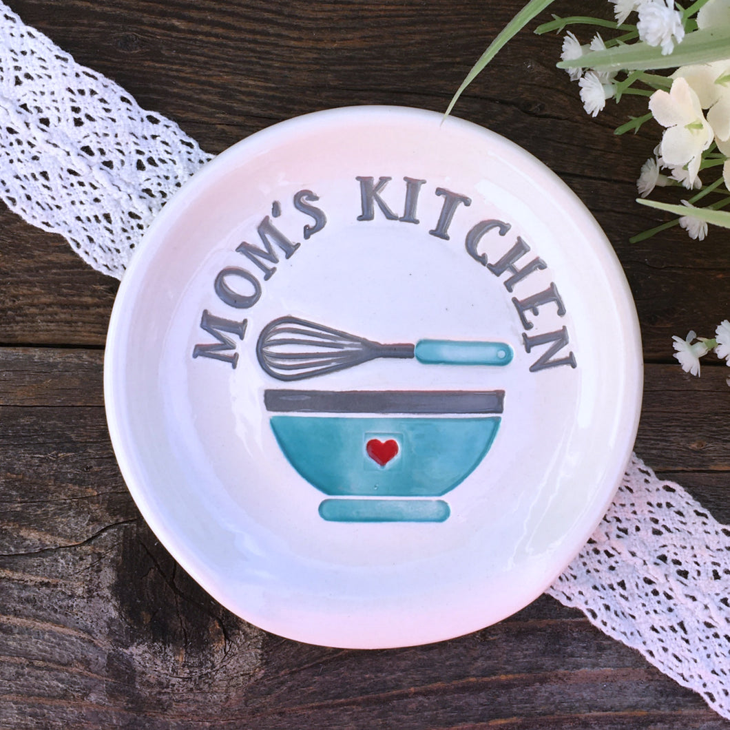 Mom's Kitchen - Personalized Spoon Rest - Say Your Piece!