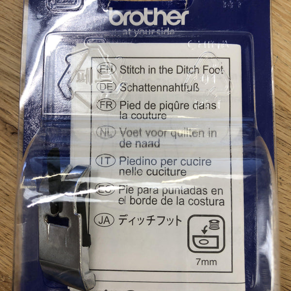 Brother Stitch in the Ditch Foot Brother Sewing Feet - Fabric Mouse