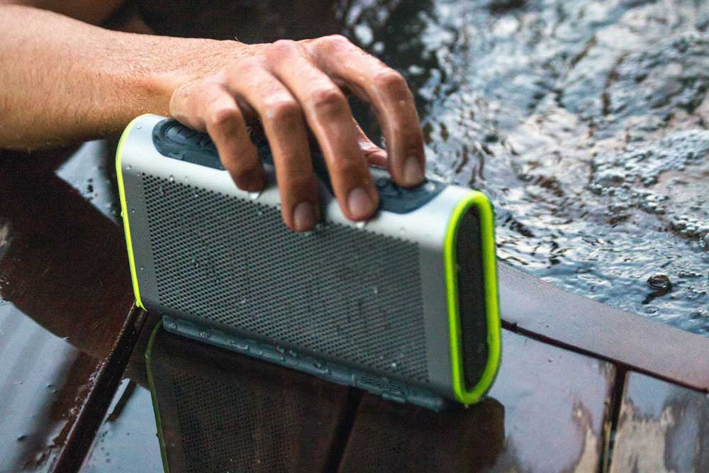 Shop Australia stock BRAVEN STRYDE PORTABLE BLUETOOTH WATERPROOF SPEAKER - SILVER/GREEN with free shipping online. Shop BRAVEN collections with afterpay Australia Stock