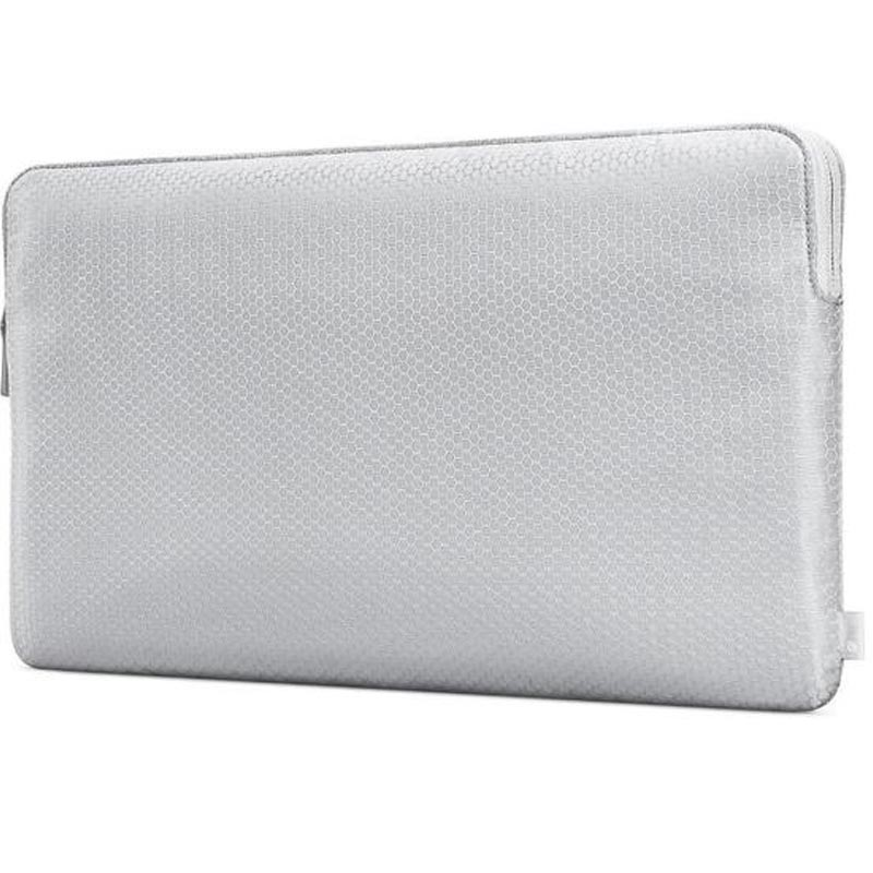 Shop Australia stock INCASE SLIM SLEEVE IN HONEYCOMB RIPSTOP FOR MACBOOK 12 INCH - SILVER with free shipping online. Shop Incase collections with afterpay Australia Stock