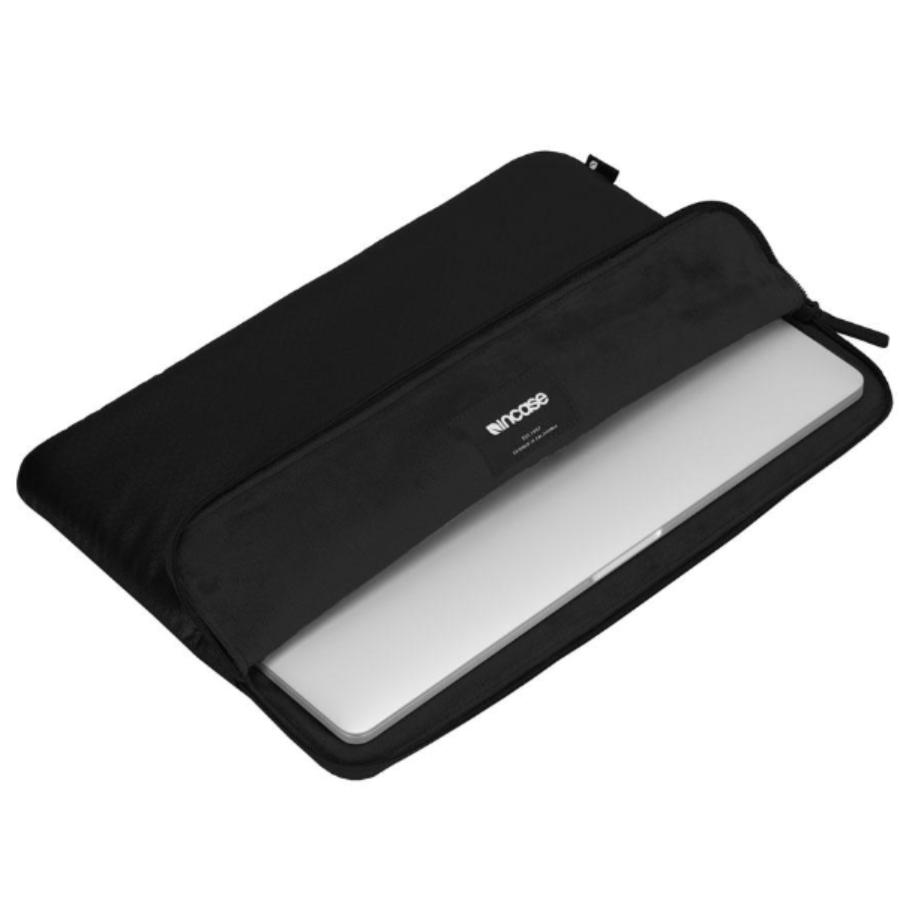 macbook pro 15 sleeves balck colour from incase australia. buy online with low price and get free shipping Australia Stock