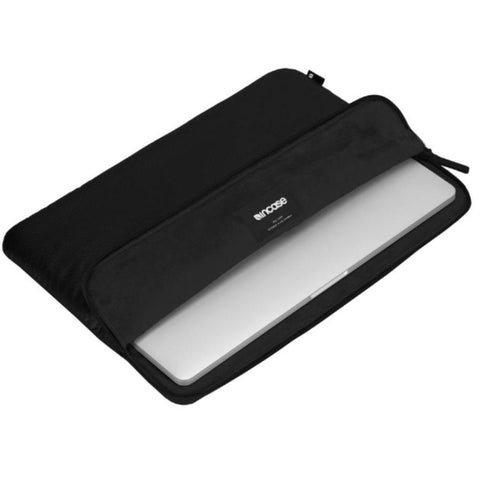 Shop Australia stock INCASE SLIM SLEEVE IN HONEYCOMB RIPSTOP FOR MACBOOK 12 INCH - BLACK with free shipping online. Shop Incase collections with afterpay