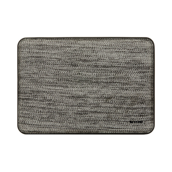 Shop Australia stock INCASE ICON TENSAERLITE SLEEVE W/ PERFORMAKNIT FOR MACBOOK PRO 15 INCH W/TOUCH BAR - BLACK with free shipping online. Shop Incase collections with afterpay