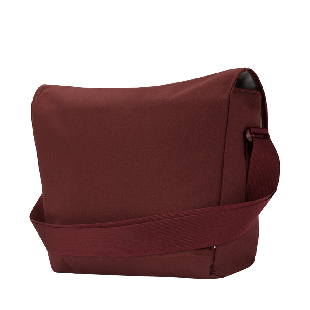 Shop Australia stock INCASE COMPASS MESSENGER BAG FOR MACBOOK UPTO 15 INCH - DEEP RED with free shipping online. Shop Incase collections with afterpay Australia Stock