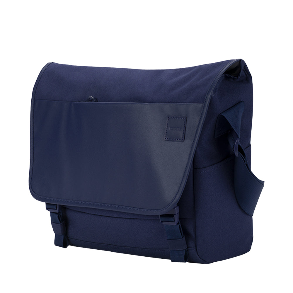 get incase compass messenger bag for macbook upto 15 inch navy blue color free shipping australia wide  Australia Stock