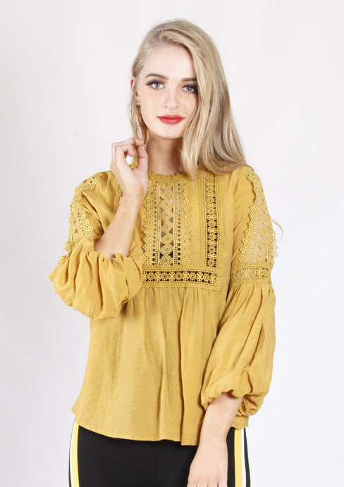 XW16220SS Crochet Detailed Top (Pack)
