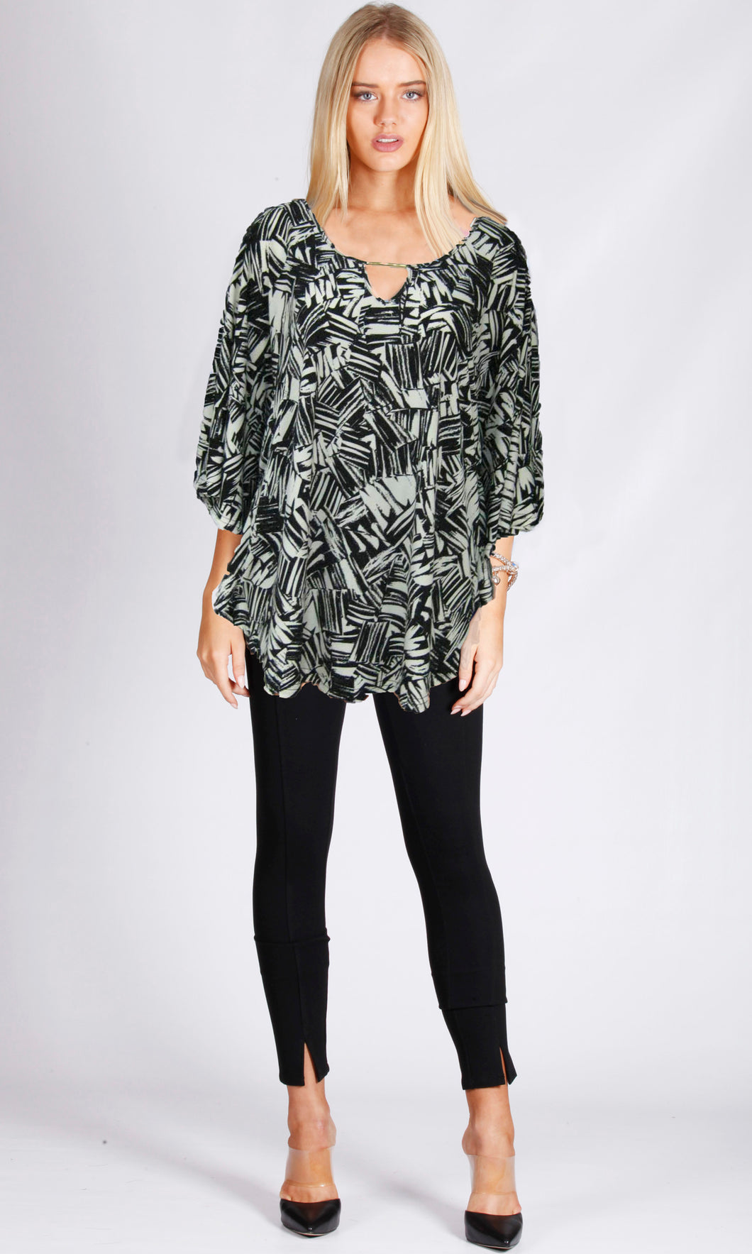 BT100214-23NC Graphic Print Top (Pack)