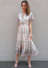 LA0441SS Tie Neck Floral Dress (Pack)