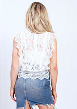XW16276SS Floral Lace Top (Pack)