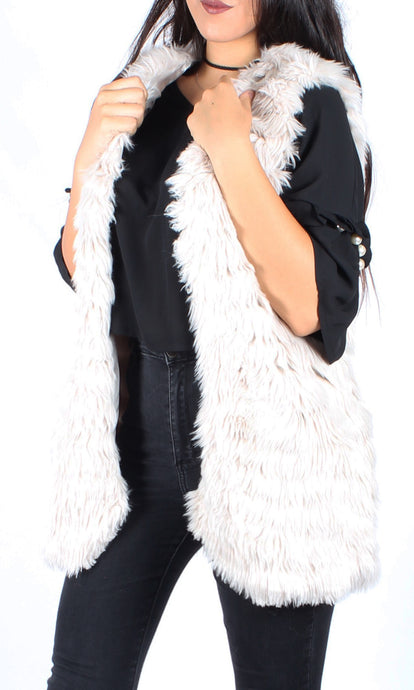 ZW16488-2SS White Faux Fur Vest (Pack) New Arrival