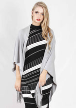 LY1082B Poncho With Tassels (Pack)