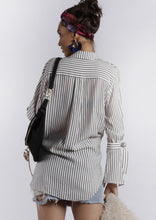 YW1724SS Black And White Striped Collared Shirt (Pack)