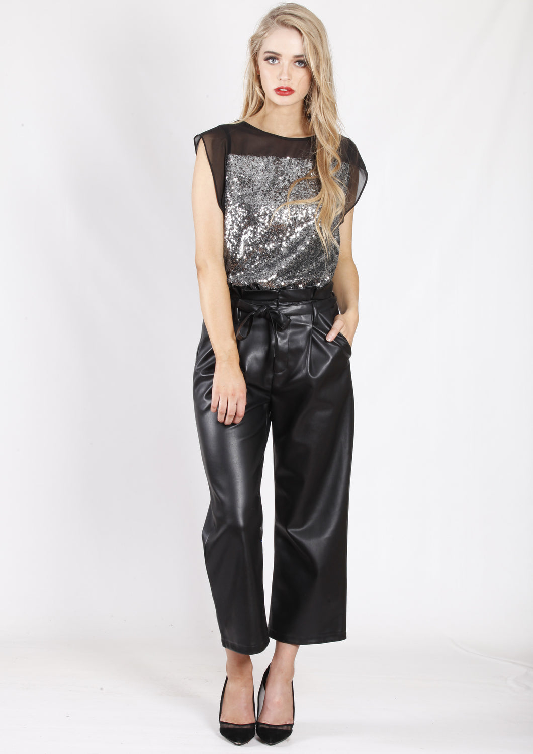 YW2055SS Silver Sequinned Top (Pack)