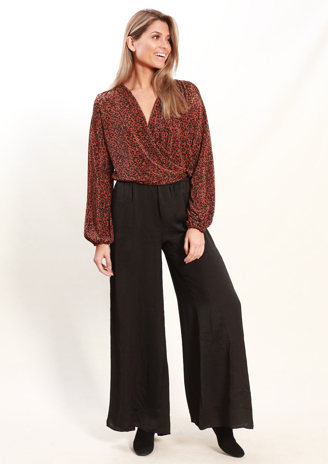 LA0025-1SS Rust Leopard Print Top(Pack)