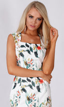 VS7301TB Princess Floral Bodycon Dress (Pack)