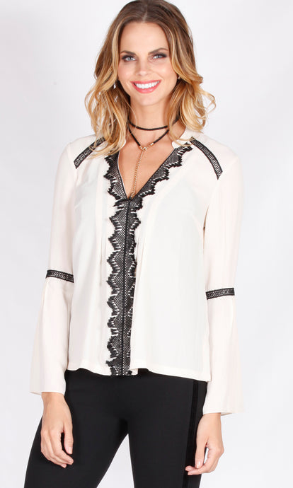 YW1792SS Lace Front Bell Sleeve Top (Pack) New Arrival