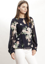 AY054-1SS Floral Top With Key Hole Front (Pack)