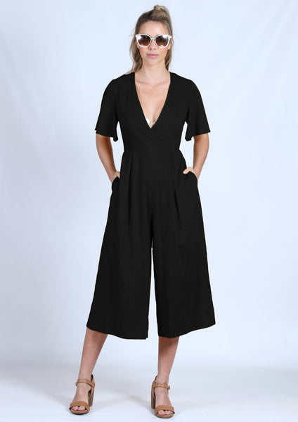 YW17148SS V-Neck Jumpsuit (Pack) New Arrival