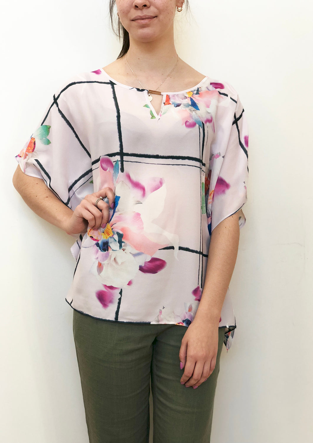 A037NC Floral Print Batwing Top(Pack)