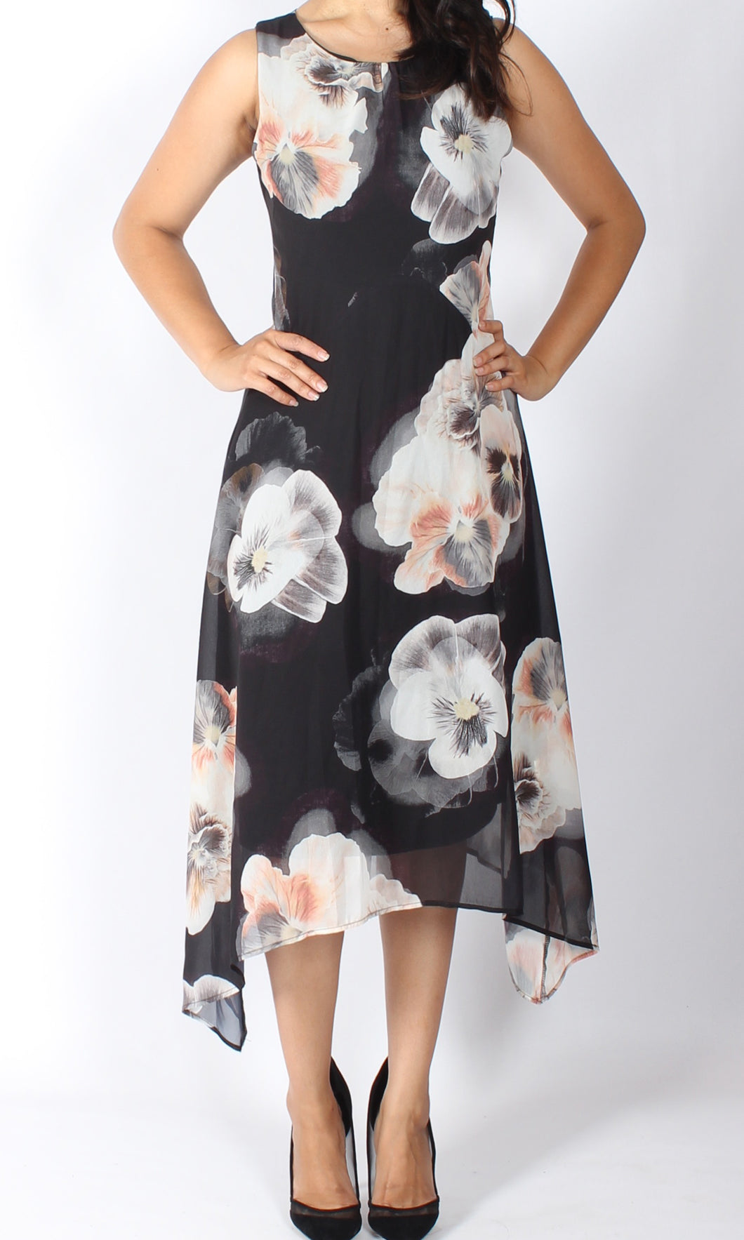 VS7344NC Black Floral Sleeveless Shift Dress (Pack)
