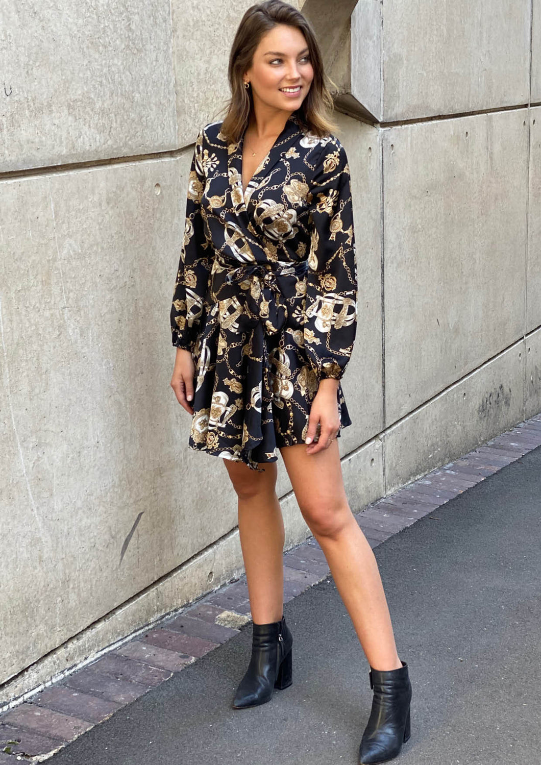 YW17175-1SS Chain Print Wrap Dress (Pack)