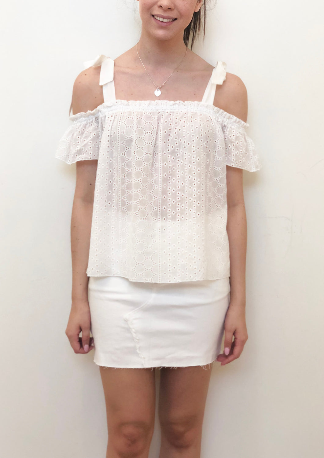 ZW16525SS Shoulder Tie Eyelet Lace Top (Pack)