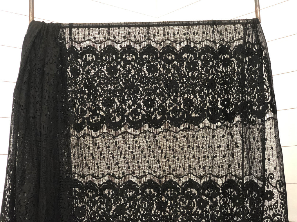 Black detailed lace woven