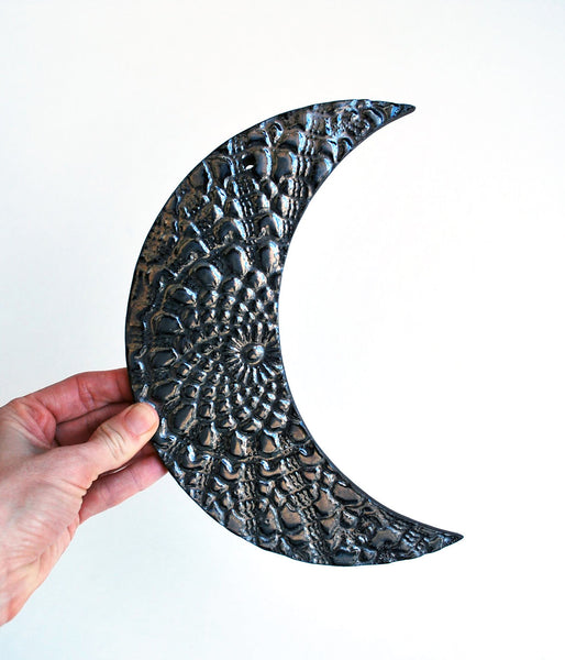 Black Moon Wall Hanging - Lace Pattern