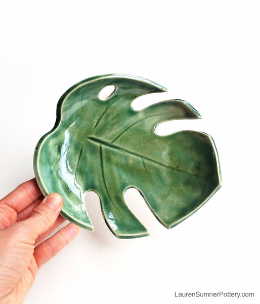 Green Monstera Leaf Bowl - Medium