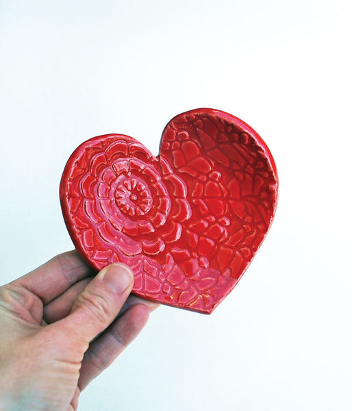 Red Heart Dish - Large