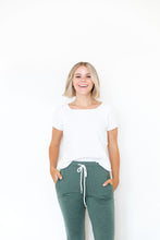 HEATHERED OLIVE WOMENS JOGGERS