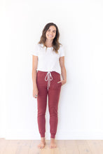 HEATHERED WINE WOMENS JOGGERS
