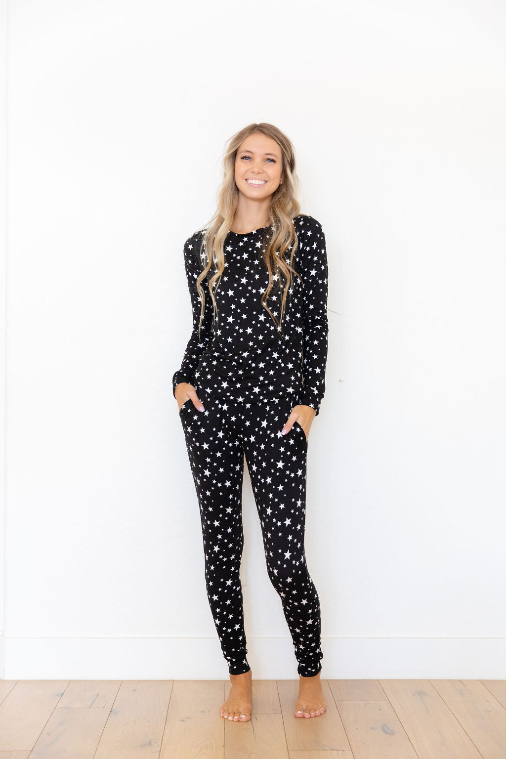 BLACK + WHITE STAR - LONG SLEEVE
