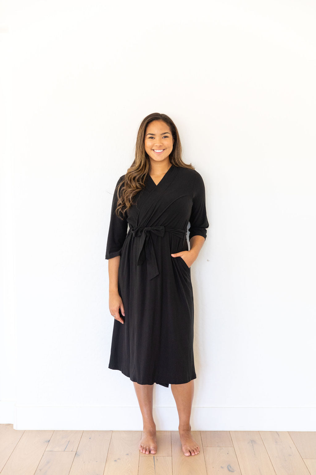 BLACK SOLID WOMEN'S LONG ROBE