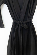 BLACK SOLID WOMEN'S ROBE