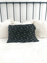 AZ BLACK PILLOW CASE