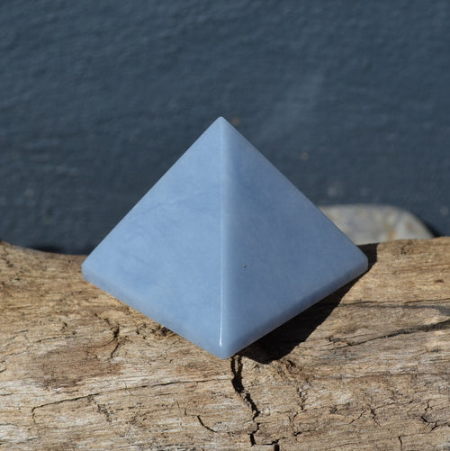 Angelite (Blue Anhydrite) Pyramid (E20-09)