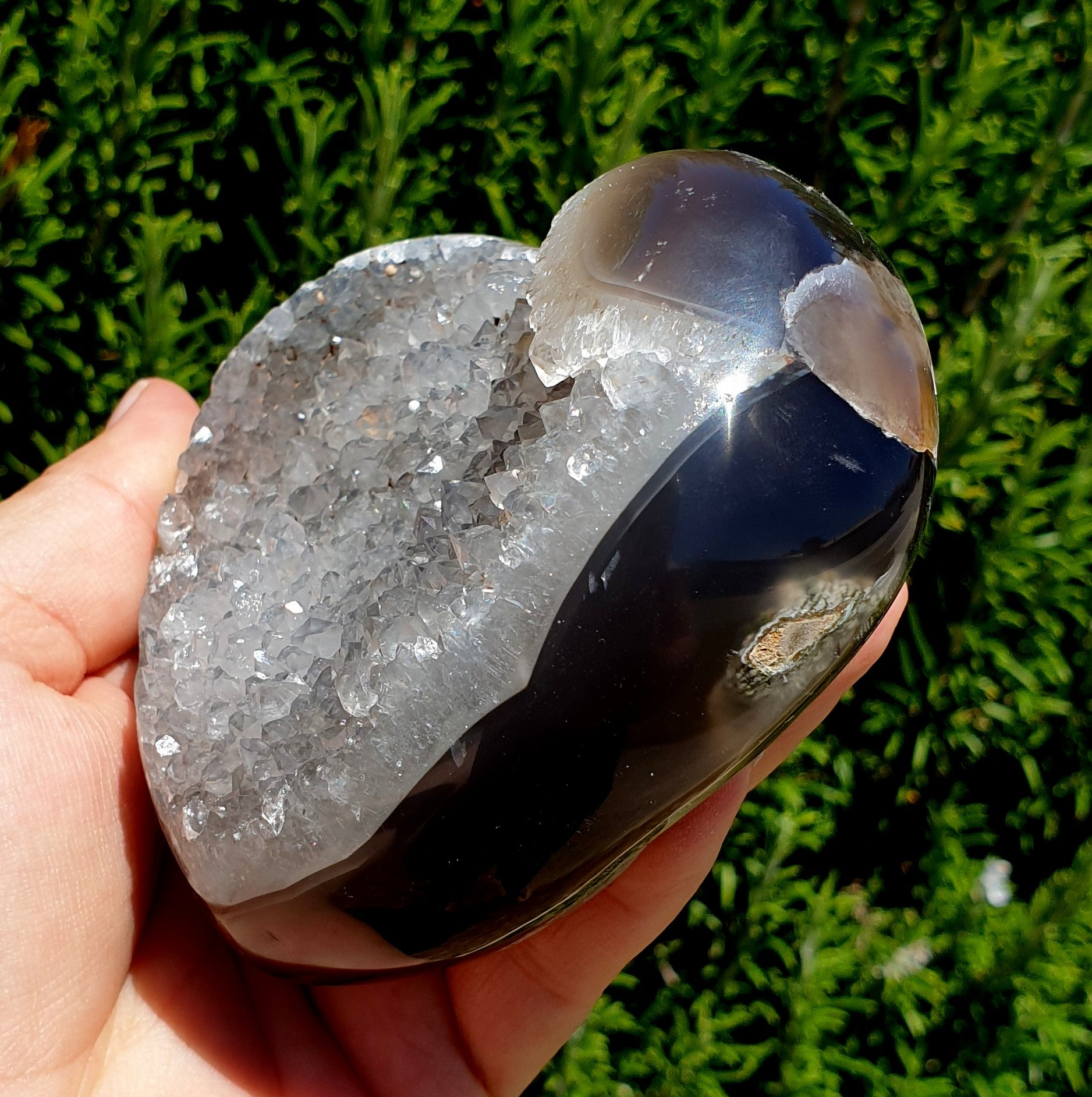 Black Agate Geode Lg Heart - Illiom Crystals - Afterpay Available