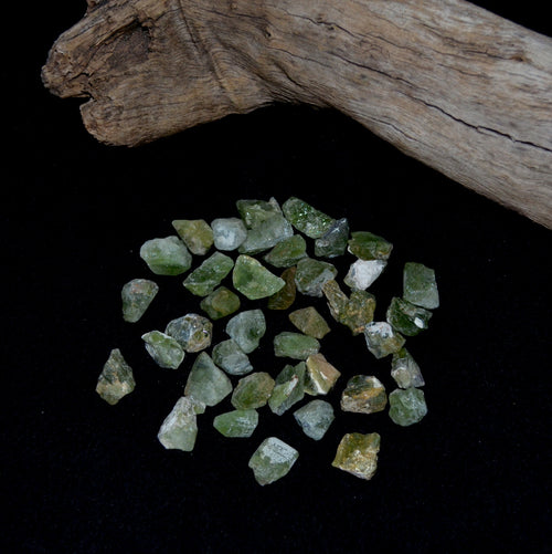 Peridot Natural Rough Medium Crystals Each (KPG2-8C)