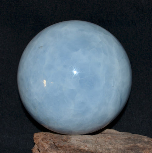 Blue Calcite XL Sphere Madagascar 1.8kg (T67-22)