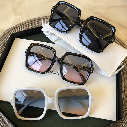 High Quality Brand Design Women Sunglasses Luxury Glasses Lady Square Sunglass Woman Gradient Pink Blue Lens Men Eyeglasses