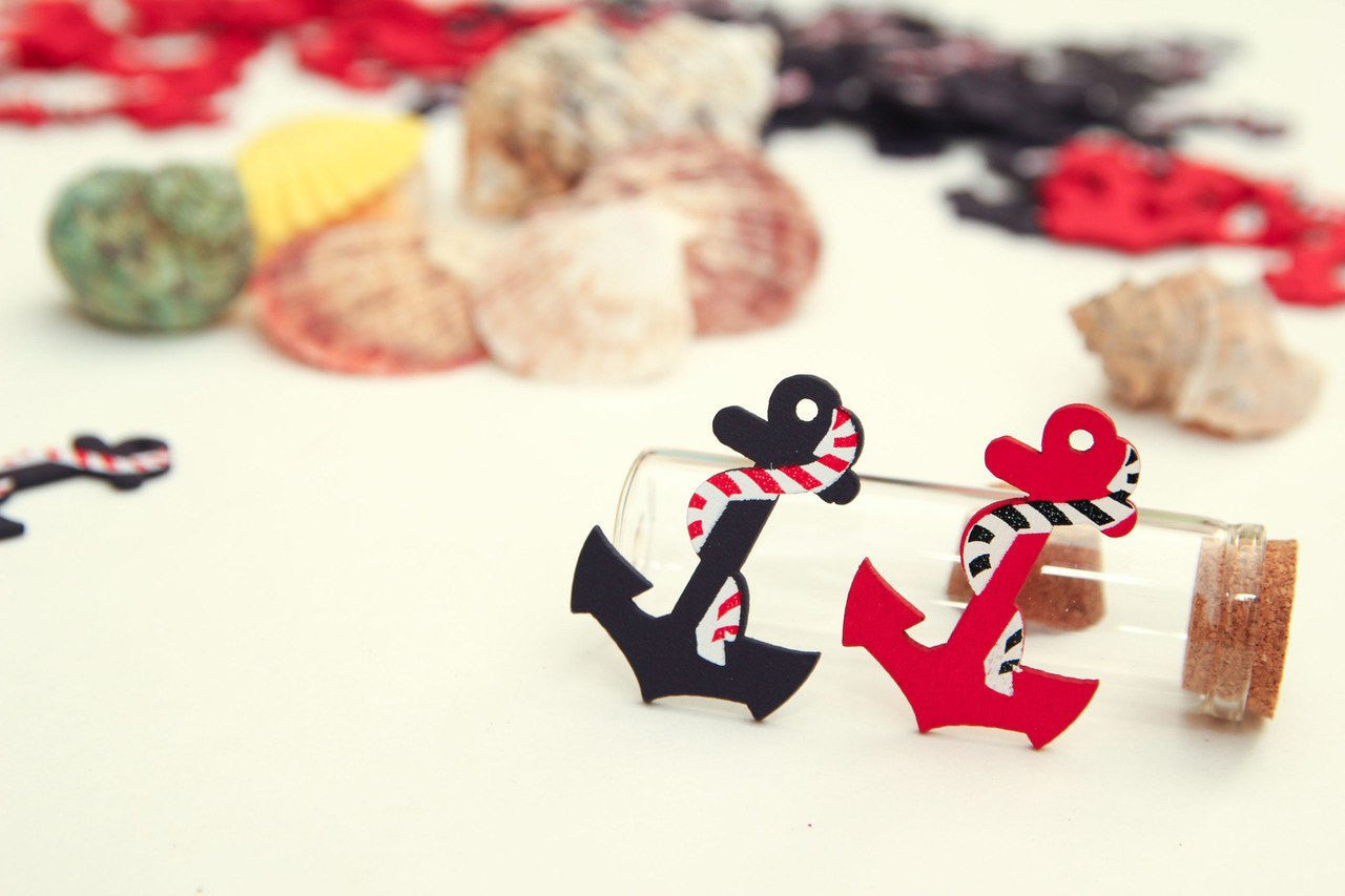 12 pcs- Wooden Anchors Red/Blue