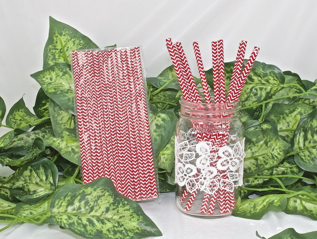 25 pcs-Paper Straws (Red Chevron)