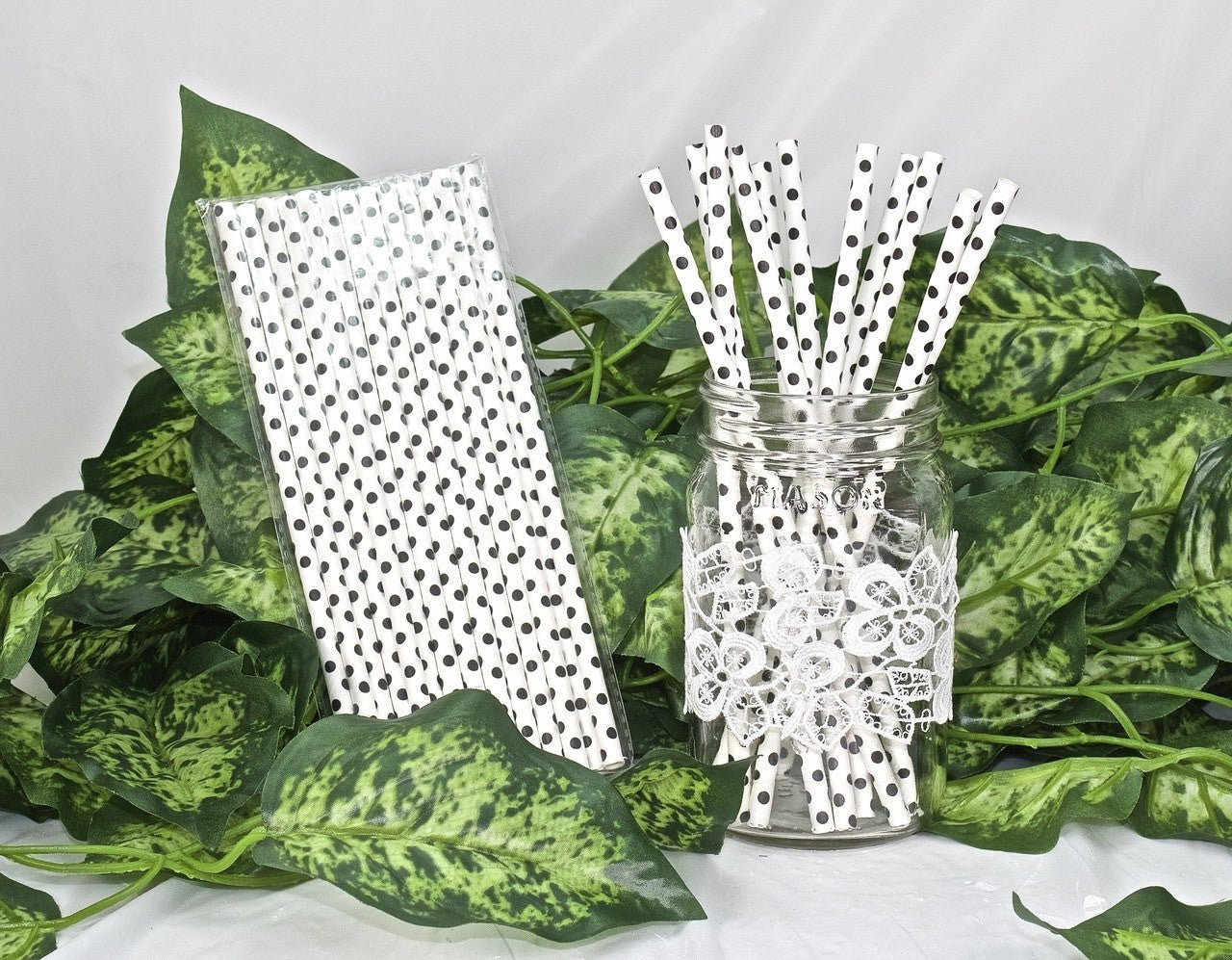 25 pcs-Paper Straws (White w/ Black Polka Dots)