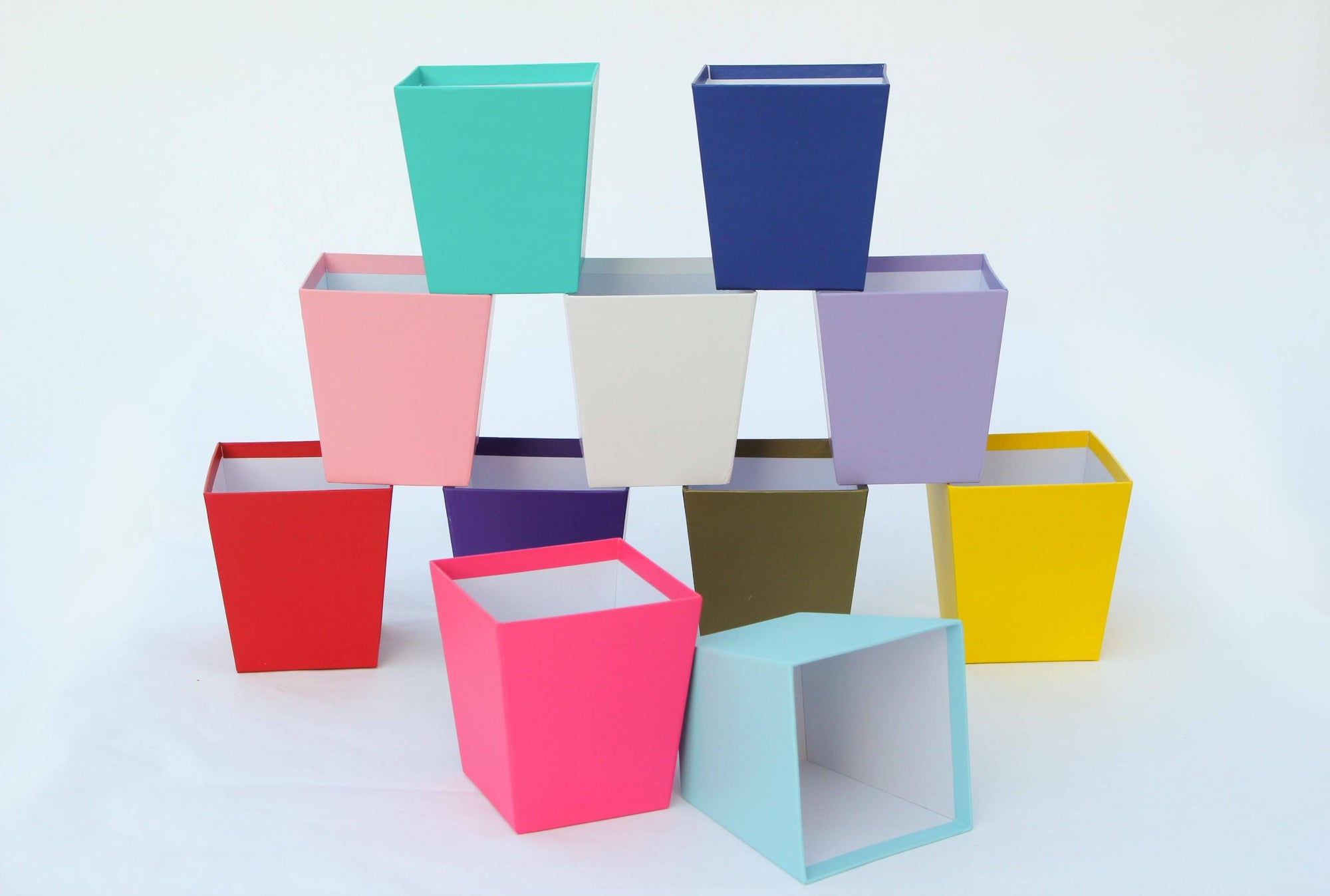 1 Ct- Colored Centerpieces Trapezoid Boxes