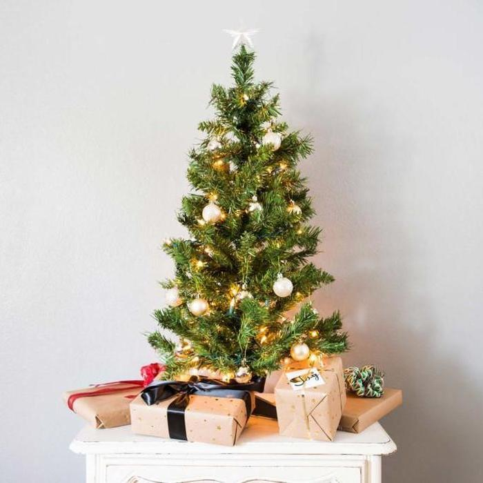 Combo Small Christmas Tree With 2x Packets Of Mini Decorations