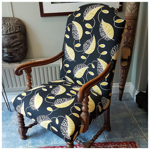 Furniture - Queen Anne Armchair In Vintage 1930s Fabric