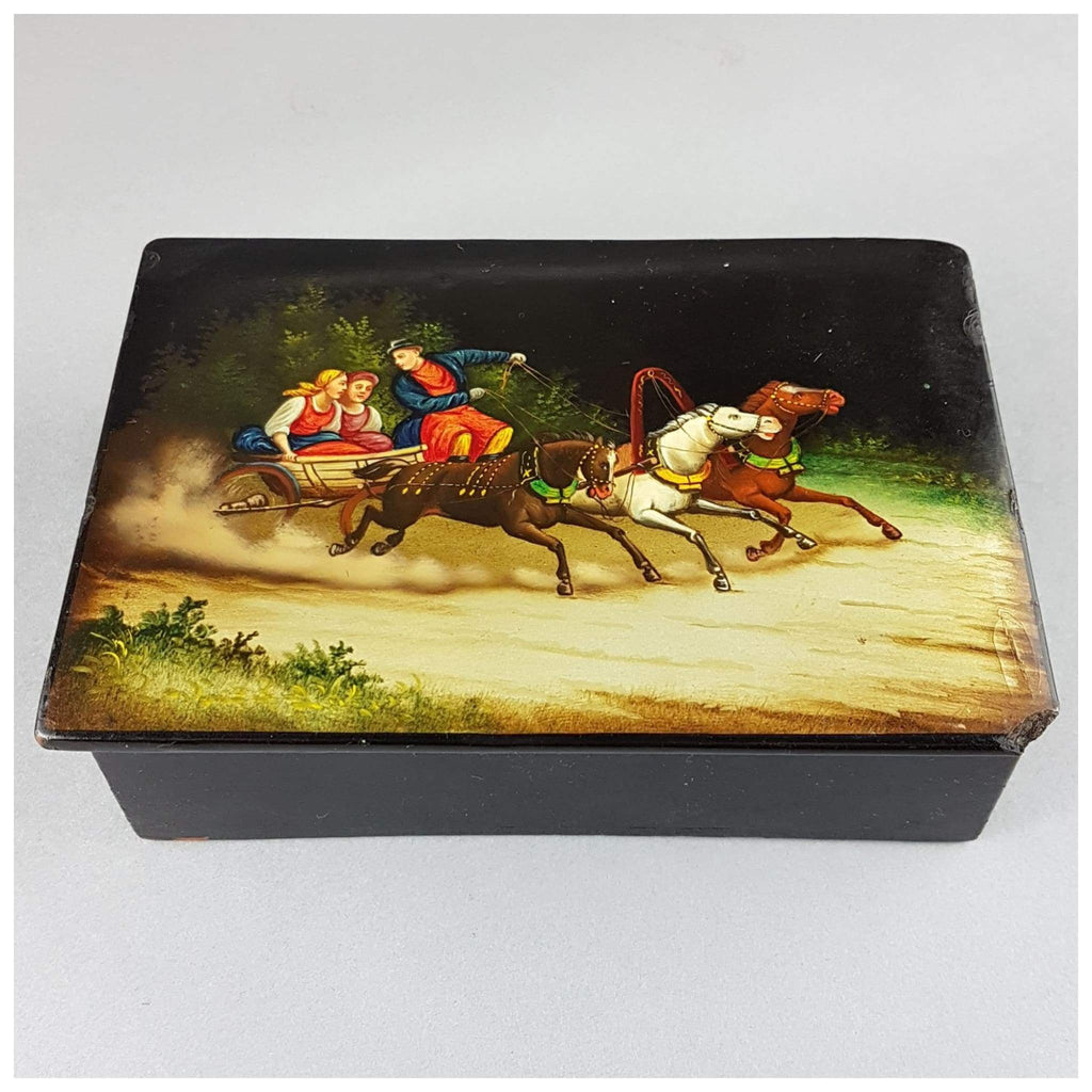Miscellaneous - Russian Box, Two Maidens On A Troika Ride